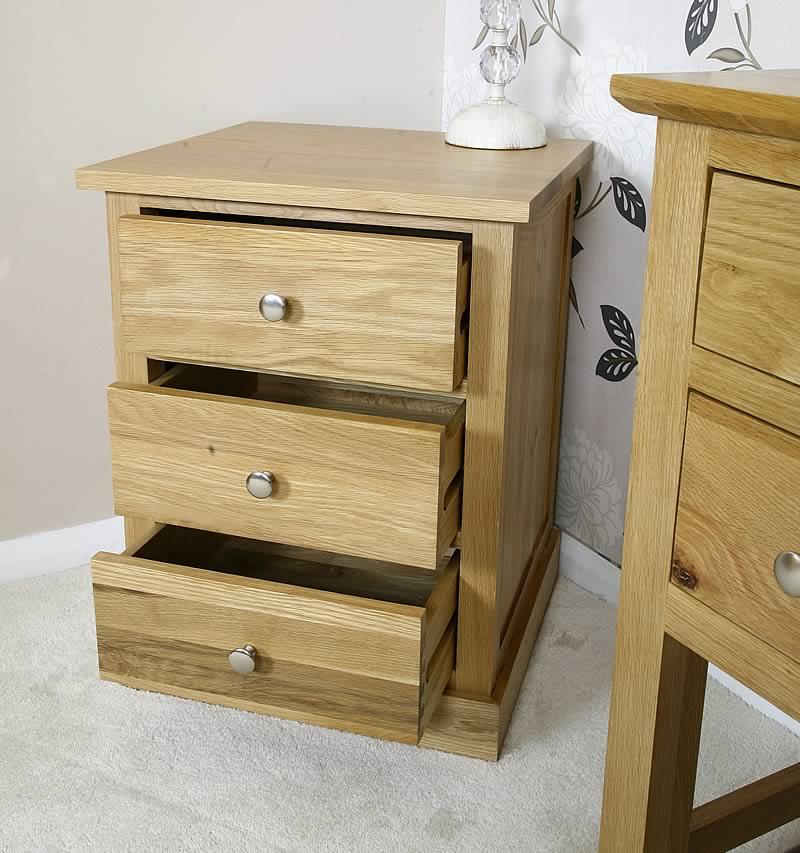 Solid light oak bedside table with drawers oak bedroom for Light oak bedroom furniture